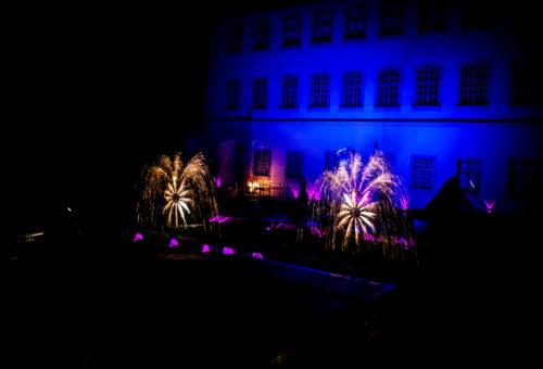 Bezaubernde Feuershow auf Schloss Großlaupheim